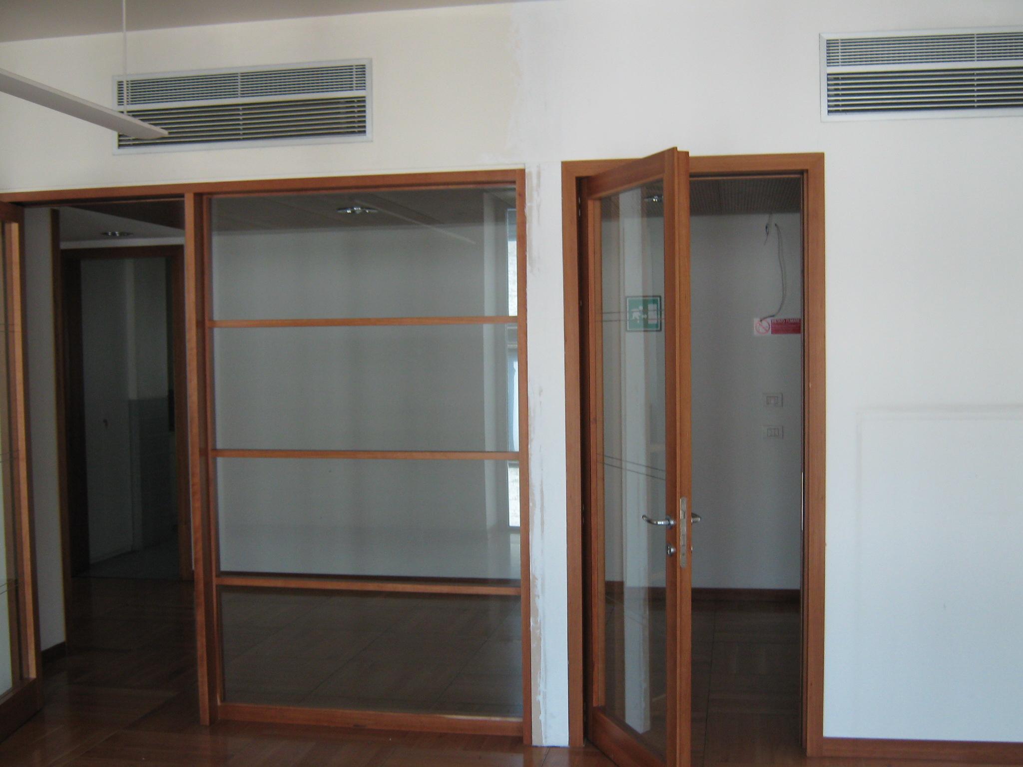 12. Disposizione a parete di impianto di condizionamento su tramezzo in muratura: stato di fatto.