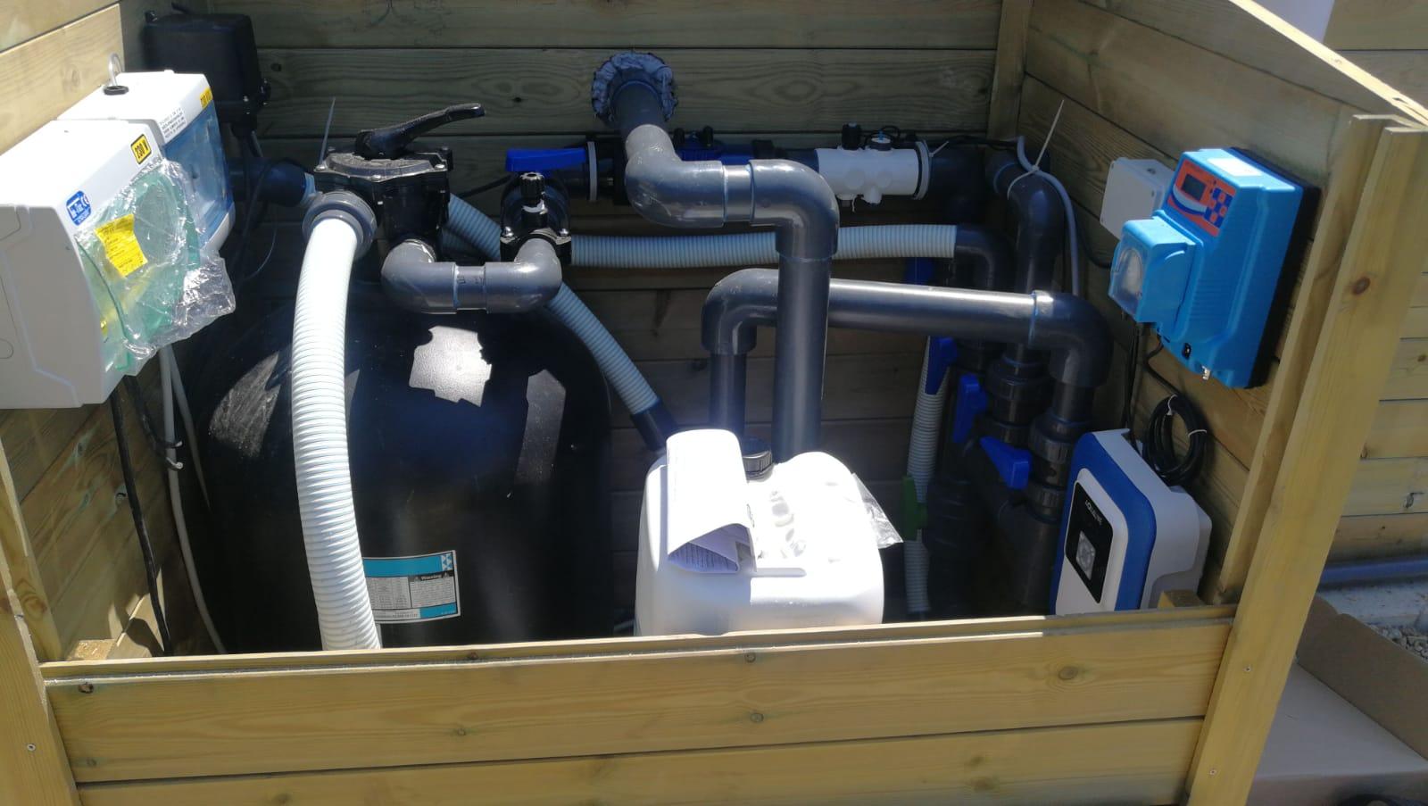 42. Installazione impianto piscina: lavori ultimati.