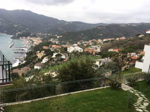 17. Vista panoramica del mar ligure dalla terrazza a gradonate: lavori ultimati.