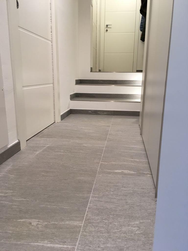 9. Corridoio e gradini scale in pietra Vals di Marazzi: lavori ultimati.