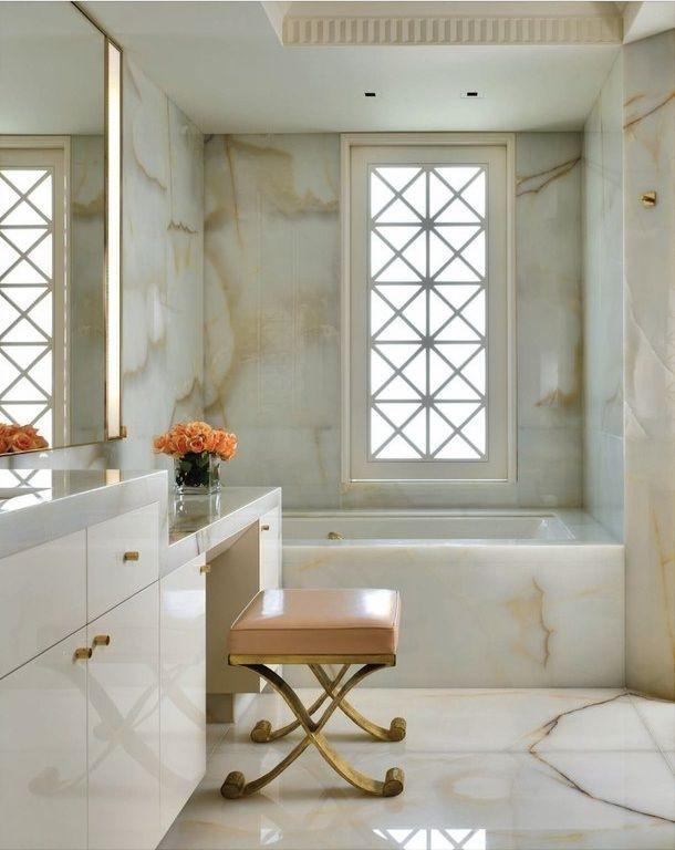 1. Finitura pavimenti e rivestimenti in lastre di marmo bianco: lavori ultimati.