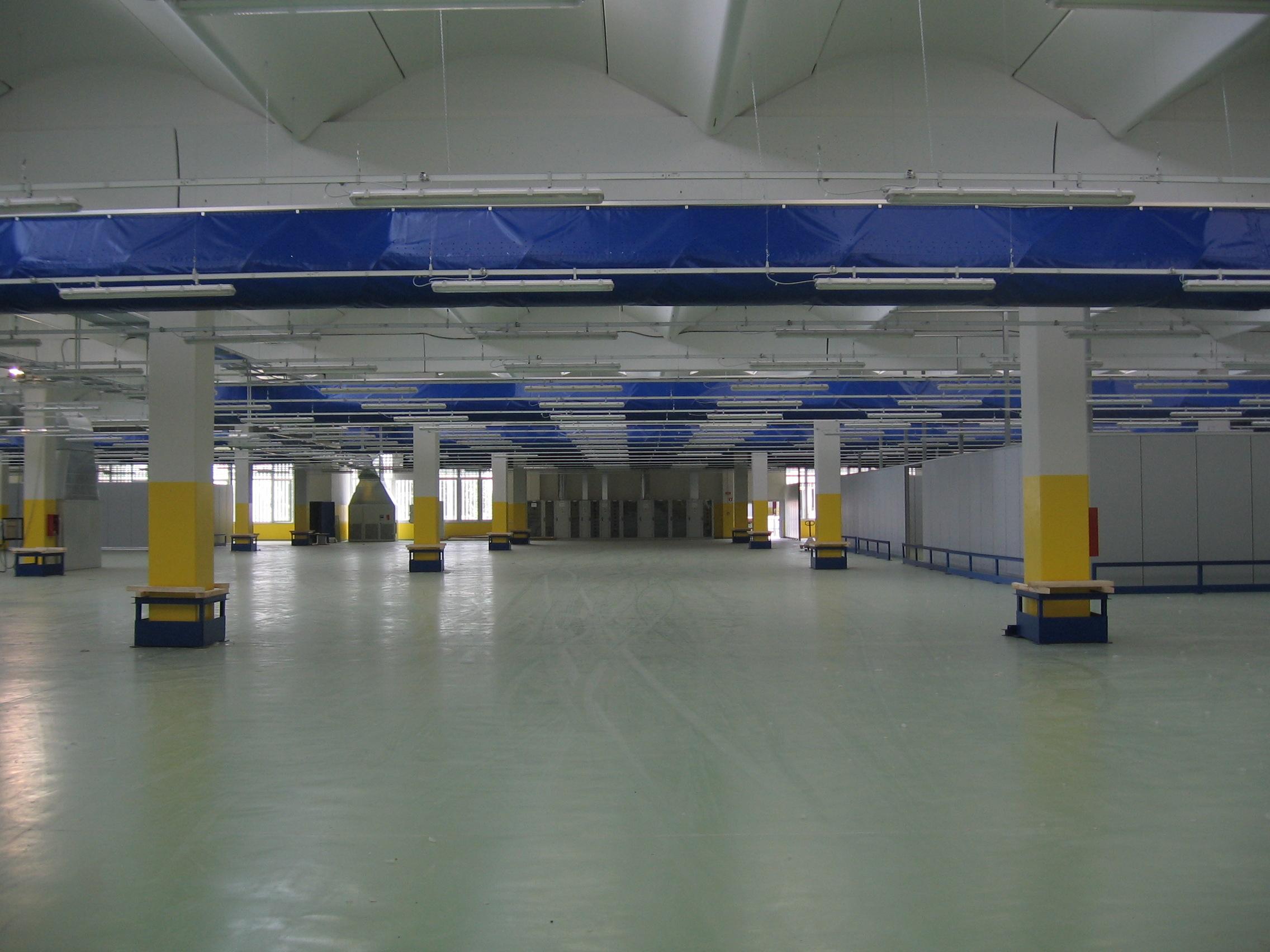 13. Vista interna della struttura postale: lavori ultimati.