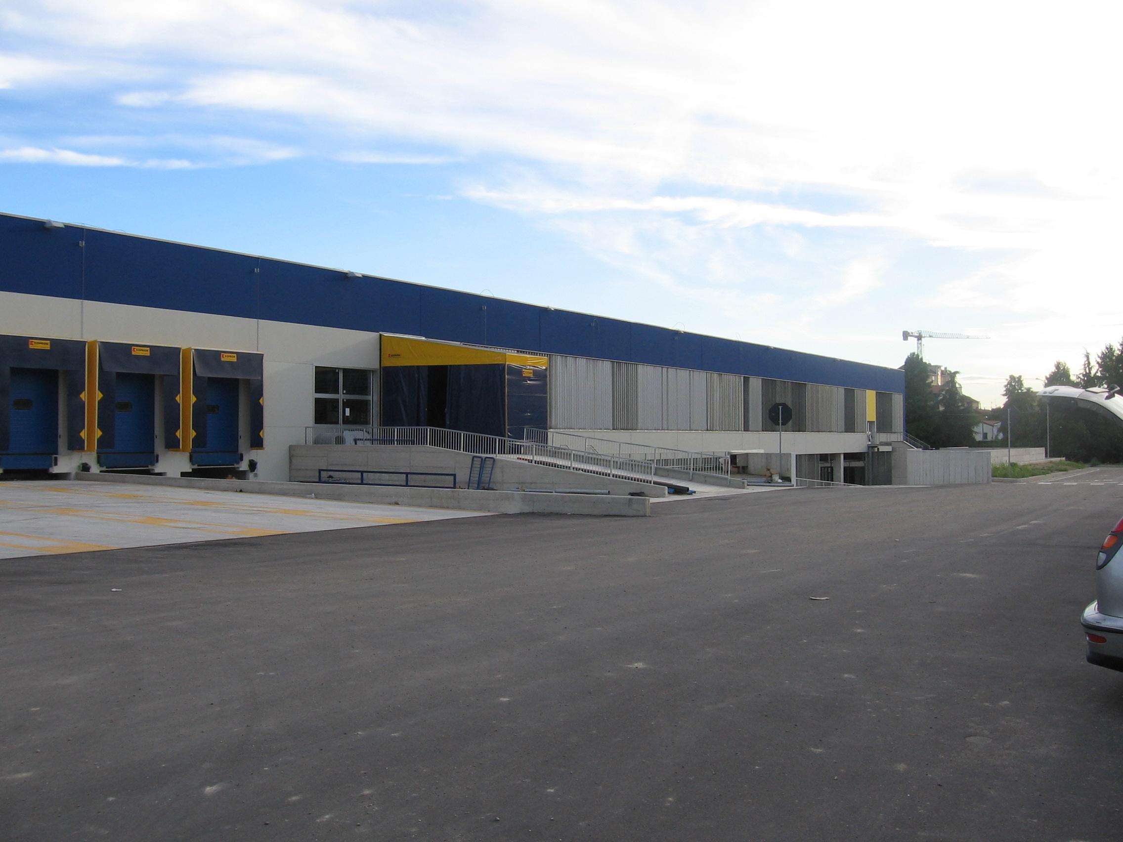 14. Vista esterna della struttura postale: lavori ultimati.