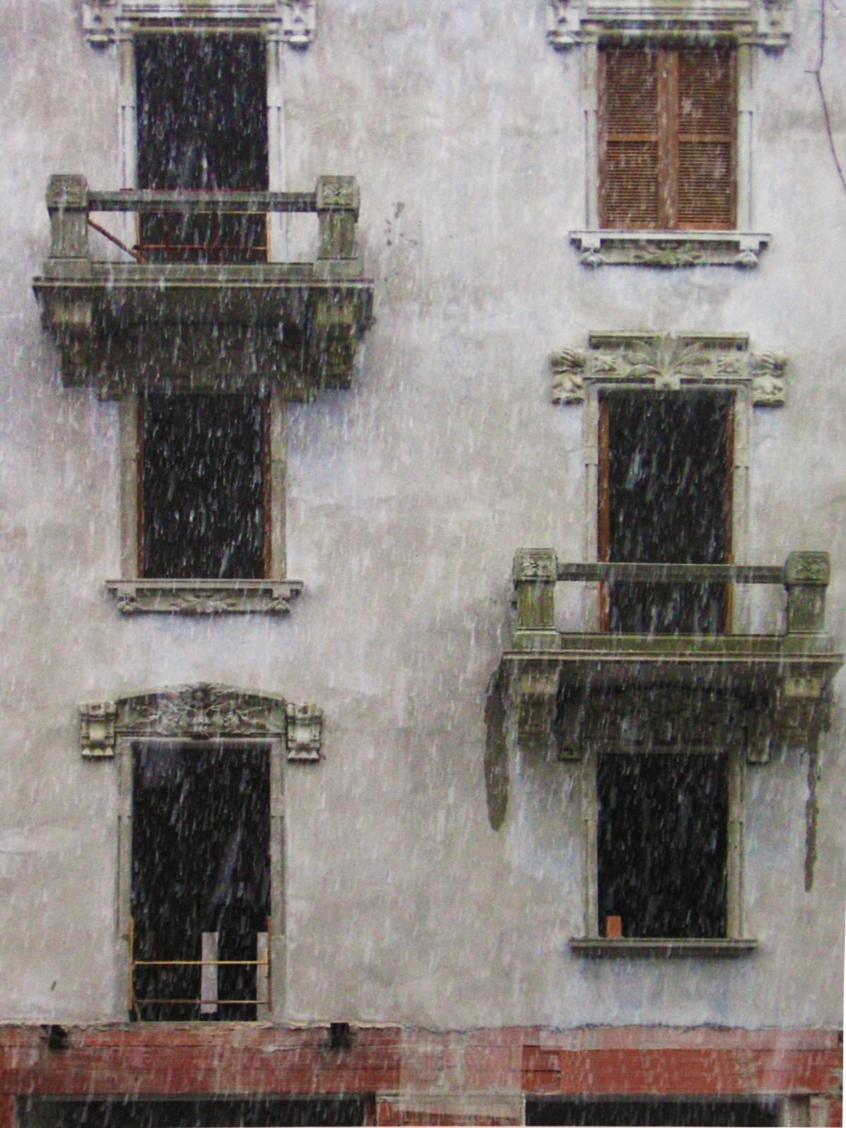 14. Particolare di prospetto con ripristino di modanature e balconi: lavori ultimati.