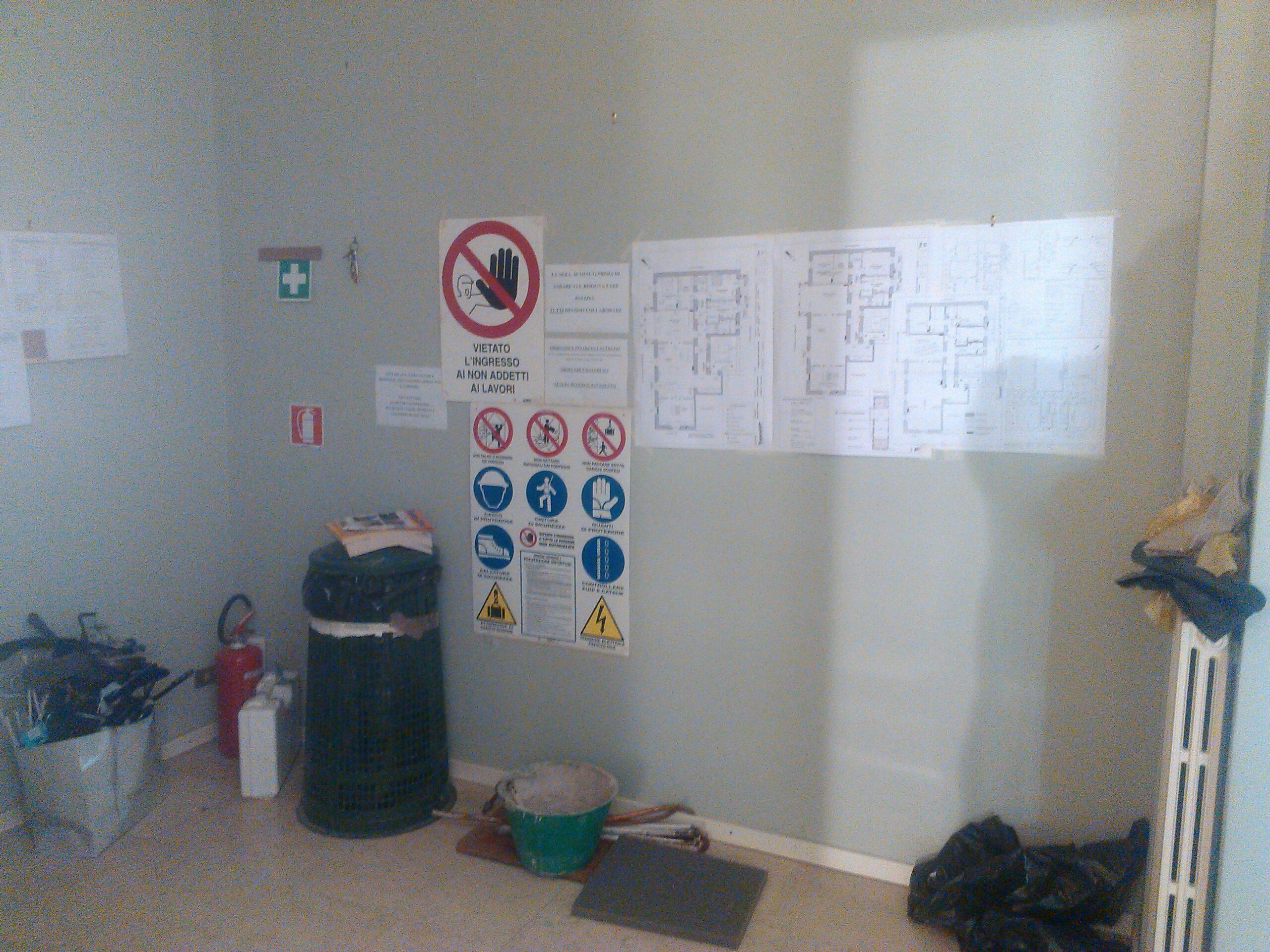 6. Allestimento cantiere messa in sicurezza e cartellonistica: lavori in corso.
