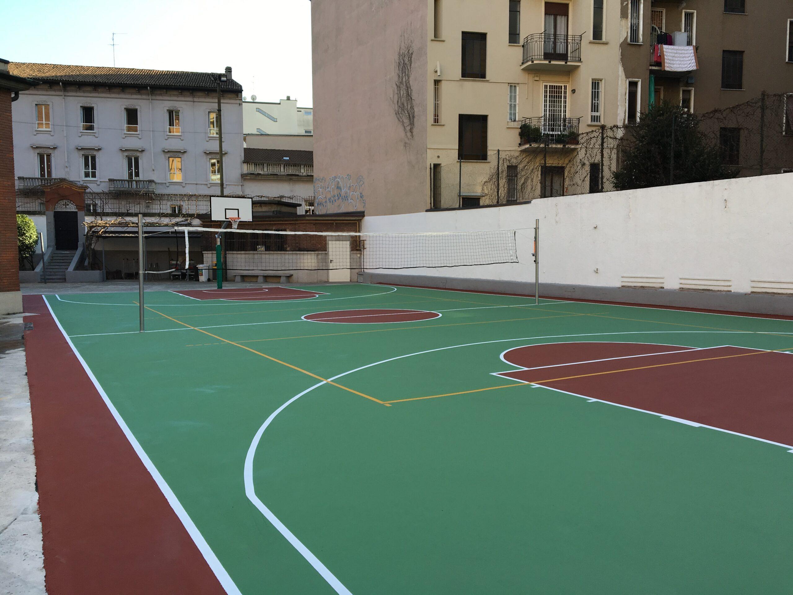 7 Campo sportivo polivalente per parrocchia S. Croce, Via Sidoli (MI)