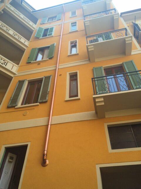 7. Prospetto della facciata di cortile ultimato con cambio e allineamento cromatico ai prospetti circostanti: lavori ultimati.